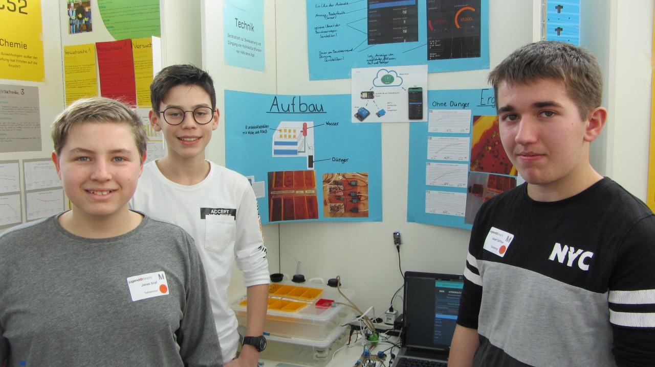 Schüler der Staatlichen Realschule Neufahrn nahmen am 55. Regionaltwettbewerb von Jugend forscht teil.